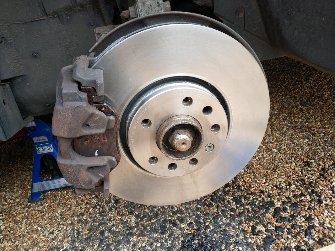 Saab 9 3 Front Brake Pads And Disc Replacement Www Bentasker Co Uk
